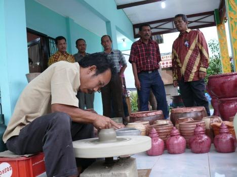 Pengrajin Tembikar di Labuhanbatu